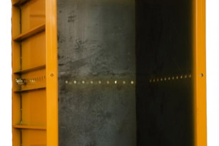 Metallic pillars S-M